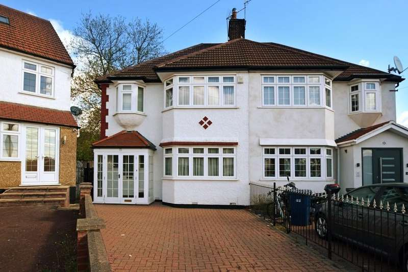 3 Bedrooms Semi Detached House for sale in Sandringham Gardens, North Finchley, N12
