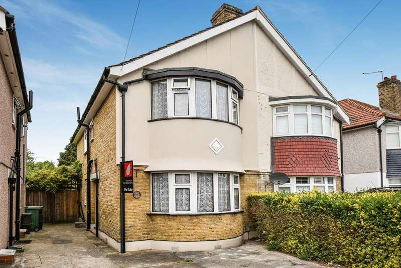 3 Bedrooms Semi Detached House for sale in Brixham Road Welling DA16