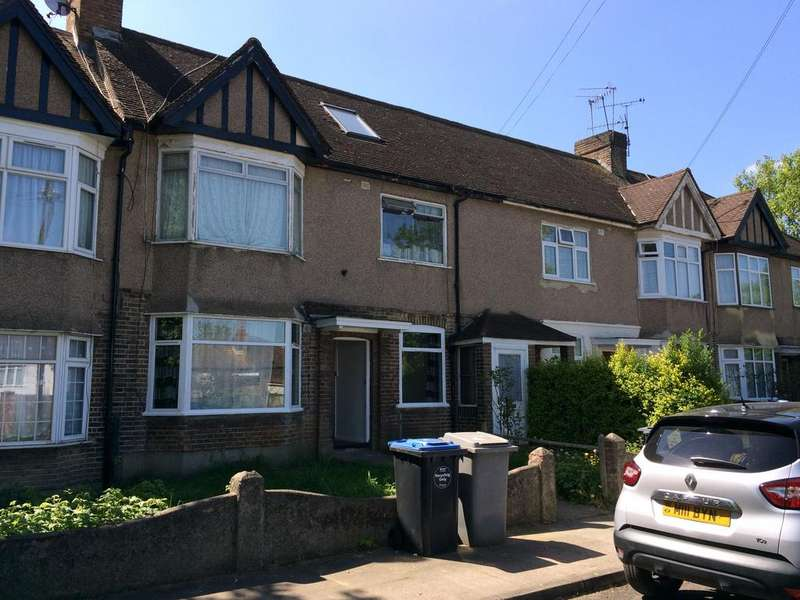2 Bedrooms Ground Flat for sale in Beech Way, London NW10