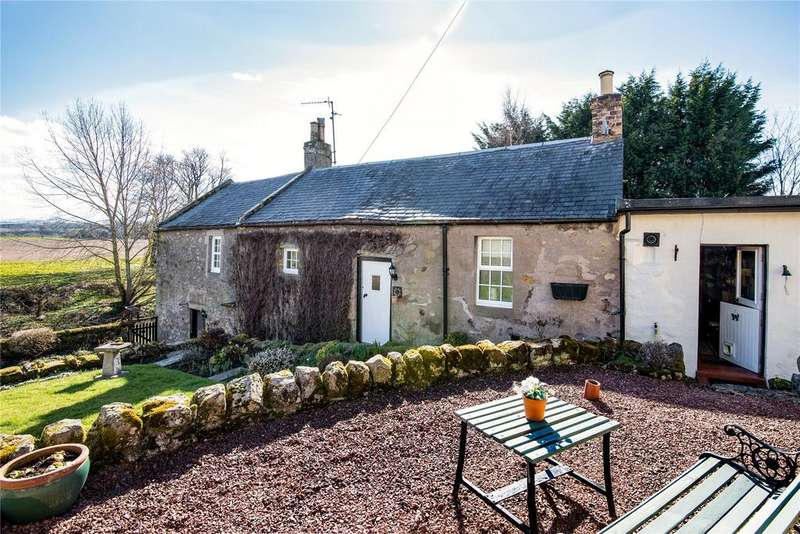 3 Bedrooms Detached House for sale in Rosyburn Cottage, Market Square, Coldstream, Berwickshire