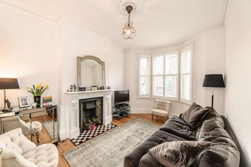 3 Bedrooms Terraced House for sale in Kildoran Road, Brixton, SW2