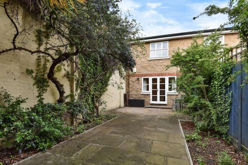 2 Bedrooms Semi Detached House for sale in Regency Mews, Oval