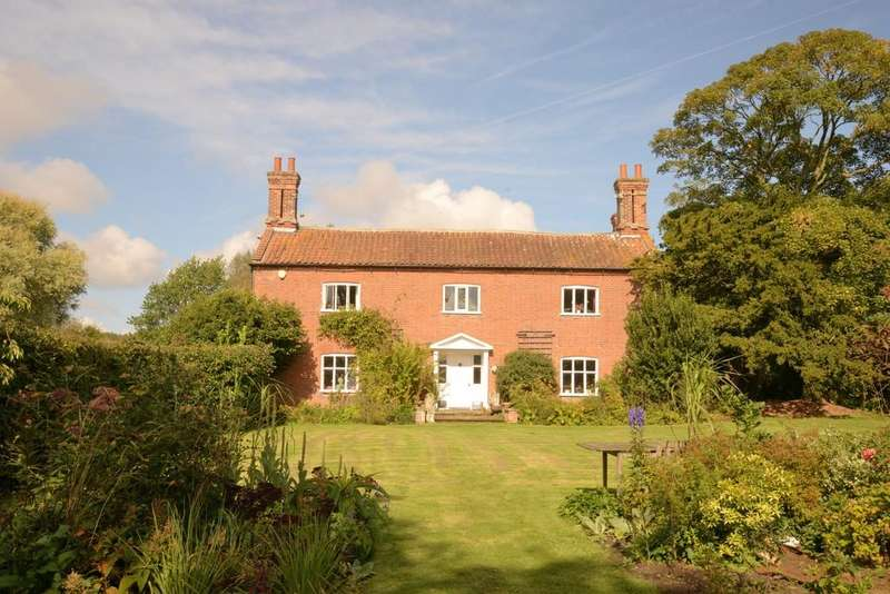 4 Bedrooms Farm House Character Property for sale in Reepham Road, Bawdeswell