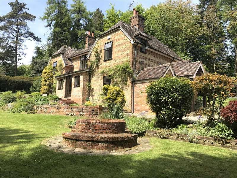 4 Bedrooms Detached House for sale in Fontmell Hill, Ashmore, Blandford Forum, Dorset