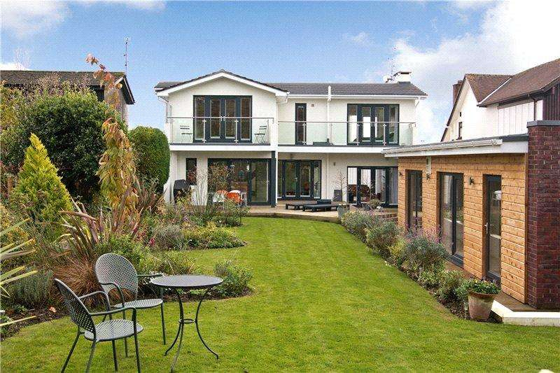 4 Bedrooms Detached House for sale in Evenlode Avenue, Penarth, Vale Of Glamorgan, CF64