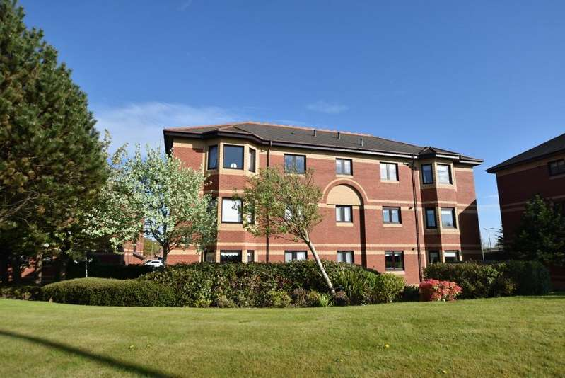 3 Bedrooms Apartment Flat for sale in 2F Monkton Court, Prestwick, KA9 1EN