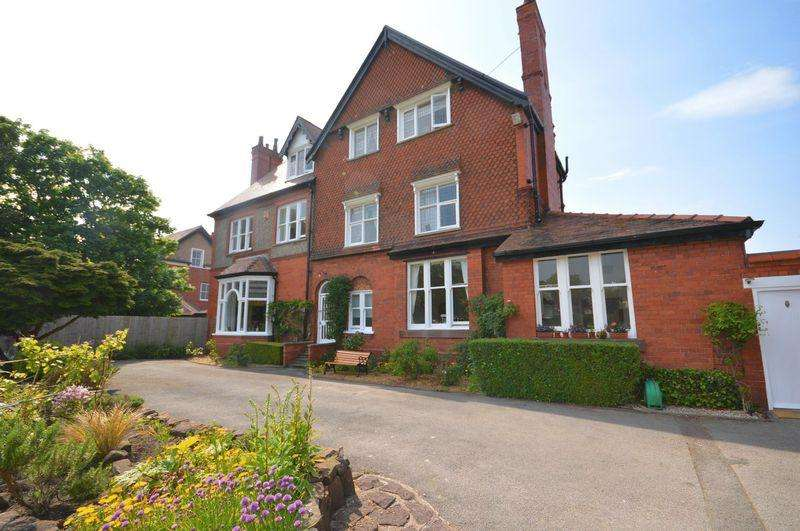 5 Bedrooms Semi Detached House for sale in Meols Drive, Hoylake
