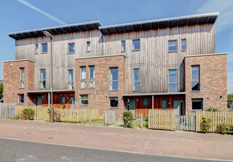 4 Bedrooms Property for sale in Lang Rigg, South Queensferry