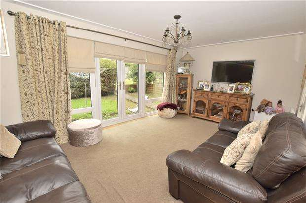 3 Bedrooms Semi Detached House for sale in Cheriton Place, Warmley, BS30 8UQ