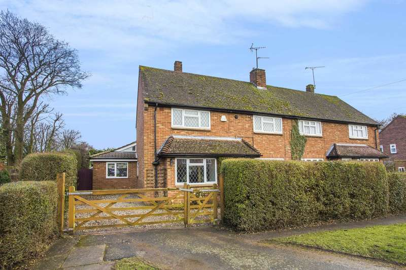 3 Bedrooms Semi Detached House for sale in Superb Family Home in Rural Location
