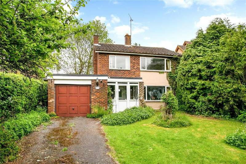4 Bedrooms Detached House for sale in Bridge Street, Great Kimble, Aylesbury, Buckinghamshire, HP17