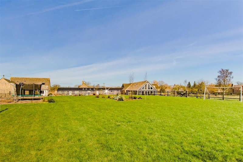 5 Bedrooms Detached House for sale in Upper Minety, Malmesbury