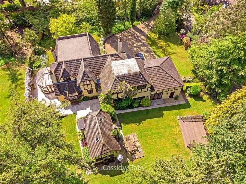 4 Bedrooms Property for sale in Oaklands Rise, Welwyn, Hertfordshire