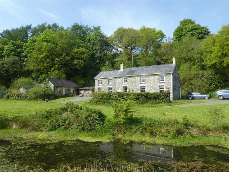 4 Bedrooms Smallholding Commercial for sale in Near Lampeter, West Wales