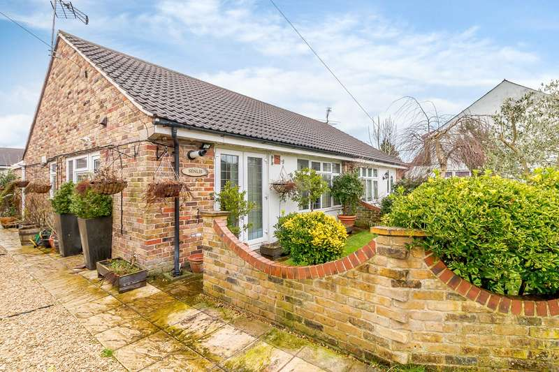 2 Bedrooms Bungalow for sale in The Phygtle, Chalfont St Peter, Gerrards Cross, SL9