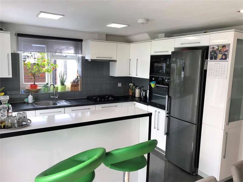 3 Bedrooms Semi Detached House for sale in Tintern Crescent, Reading, Berkshire, RG1