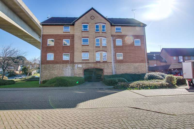 2 Bedrooms Flat for sale in Mitchell Close, Woolston