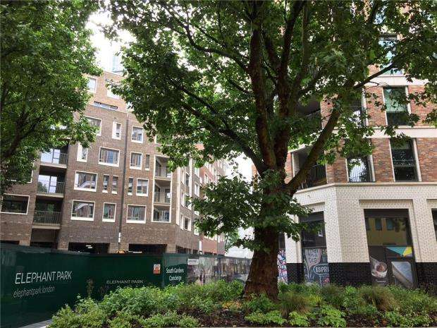 2 Bedrooms Flat for sale in Orchard View, West Grove, Elephant Park, London