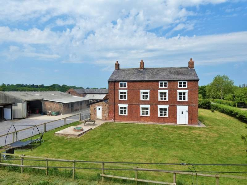 5 Bedrooms Farm House Character Property for sale in Gorstage Lane, Northwich, Cheshire, CW8