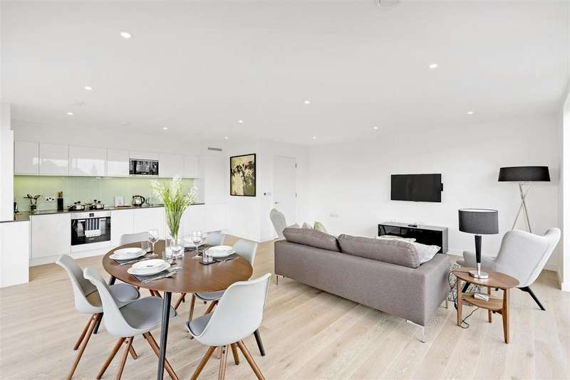 3 Bedrooms Flat for sale in Stage House, Griffiths Road, Wimbledon
