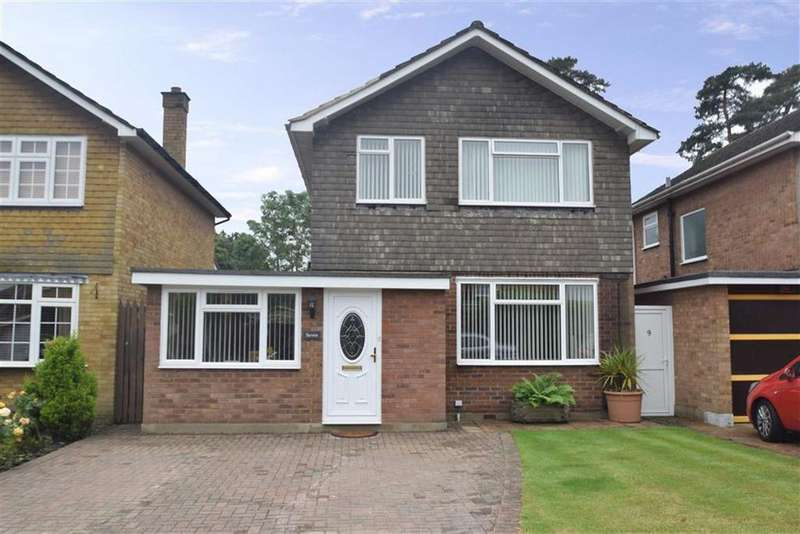 4 Bedrooms Detached House for sale in All Saints Crescent, Watford, Herts