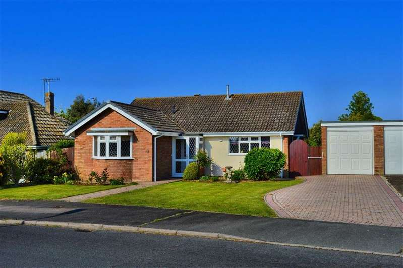 2 Bedrooms Detached Bungalow for sale in Lower Drive, Seaford, East Sussex