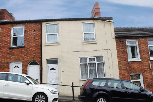 3 Bedrooms Terraced House for sale in Victoria Street, Lincoln, Lincolnshire, LN1 1HY