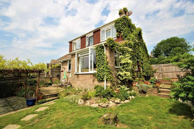 4 Bedrooms Detached House for sale in Denton Rise, Newhaven