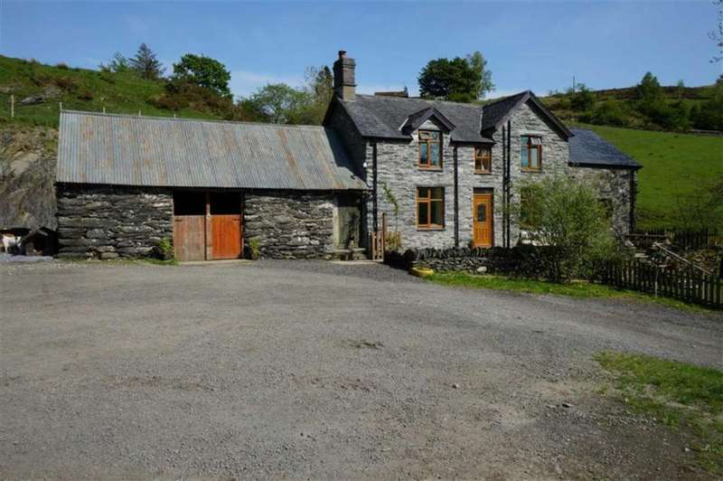 3 Bedrooms Detached House for sale in Penmachno