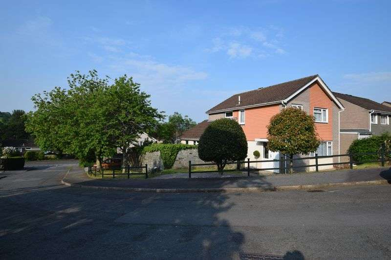 4 Bedrooms Property for sale in Maple Close, Tavistock