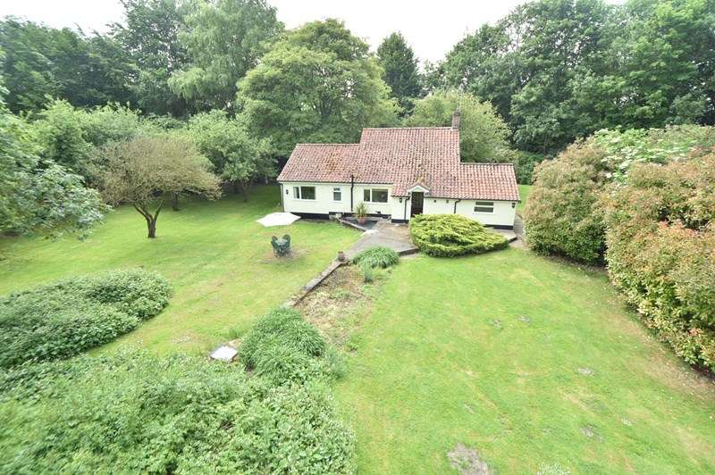 3 Bedrooms Detached House for sale in The Gravel, West Row, Bury St. Edmunds