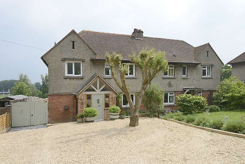 4 Bedrooms Semi Detached House for sale in Bath Road, Woolhampton, Berkshire, RG7