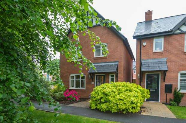 3 Bedrooms Detached House for sale in Norman Road, Altrincham