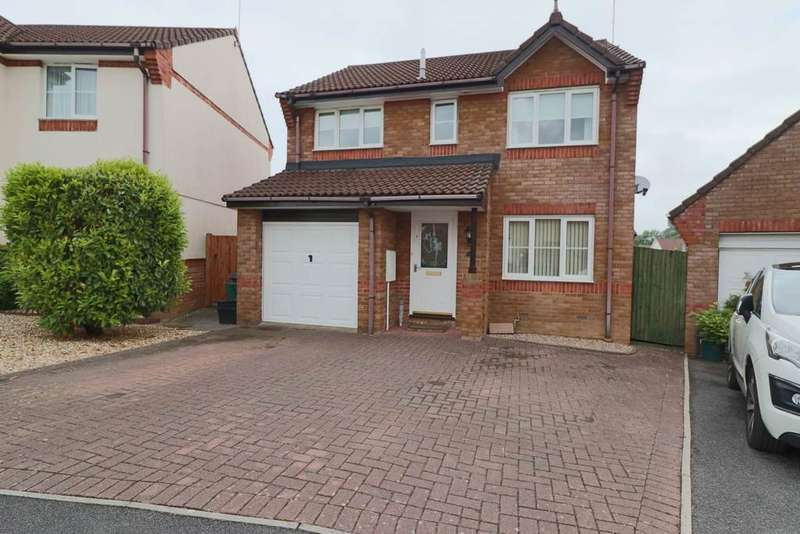 4 Bedrooms Detached House for sale in Wester-Moor Drive, Roundswell