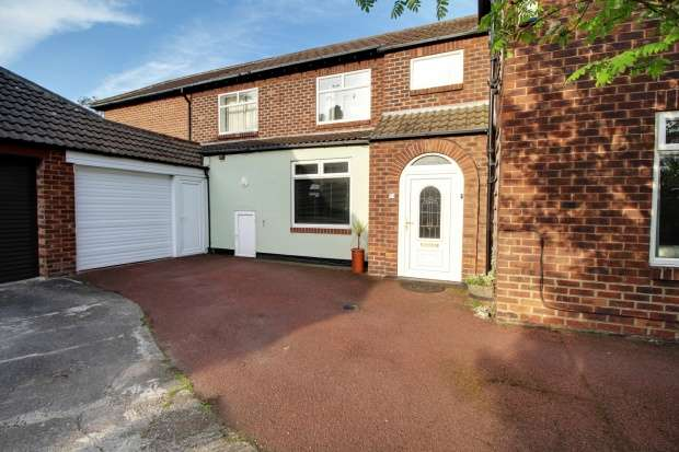 3 Bedrooms Detached House for sale in Easson Road, Redcar, Cleveland, TS10 1HH