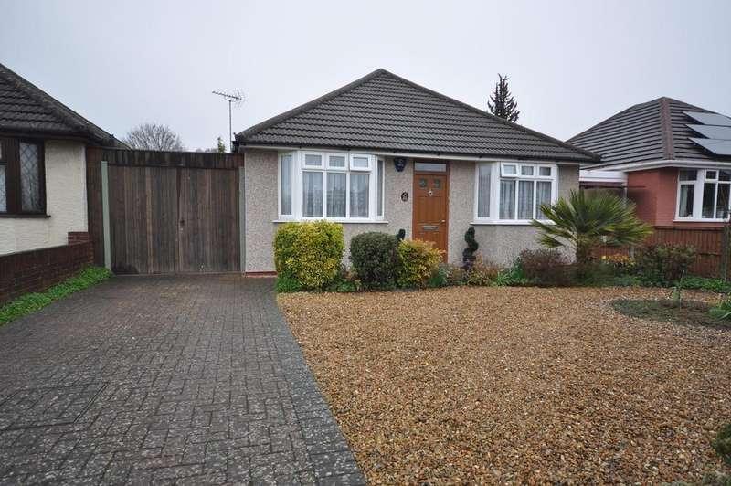 2 Bedrooms Detached House for sale in Woodlands Avenue, Woodley, Reading, RG5 3HL