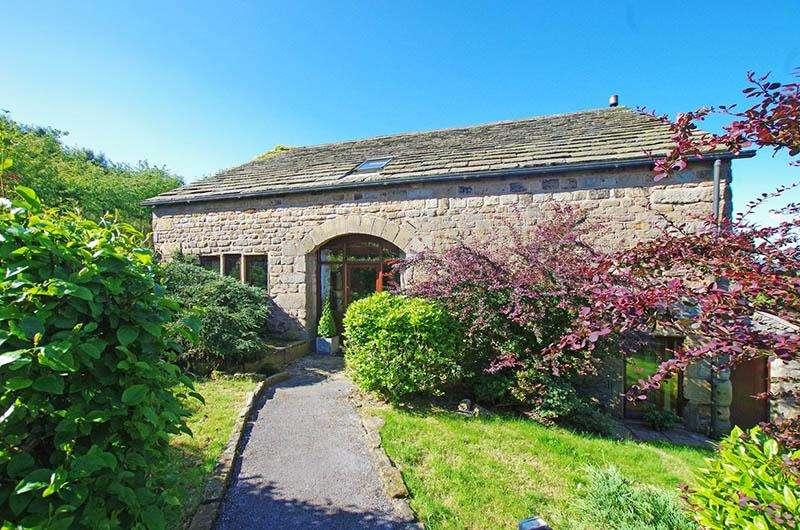 4 Bedrooms Detached House for sale in Dyke Lane, Todmorden OL14