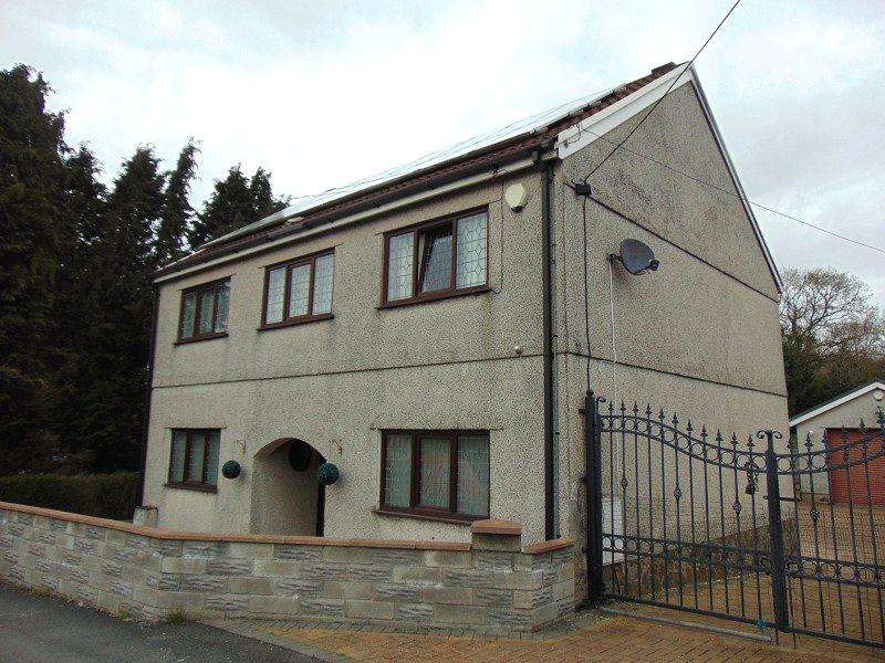 3 Bedrooms Detached House for sale in Cwmfelin Road, Llanelli, Carmarthenshire. SA14 9LR
