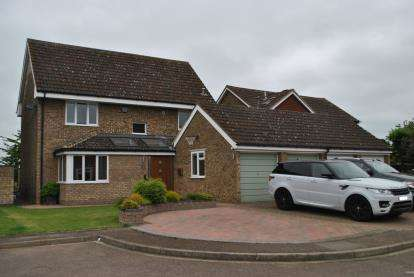 4 Bedrooms Detached House for sale in Kittiwake Close, Biggleswade, Bedfordshire