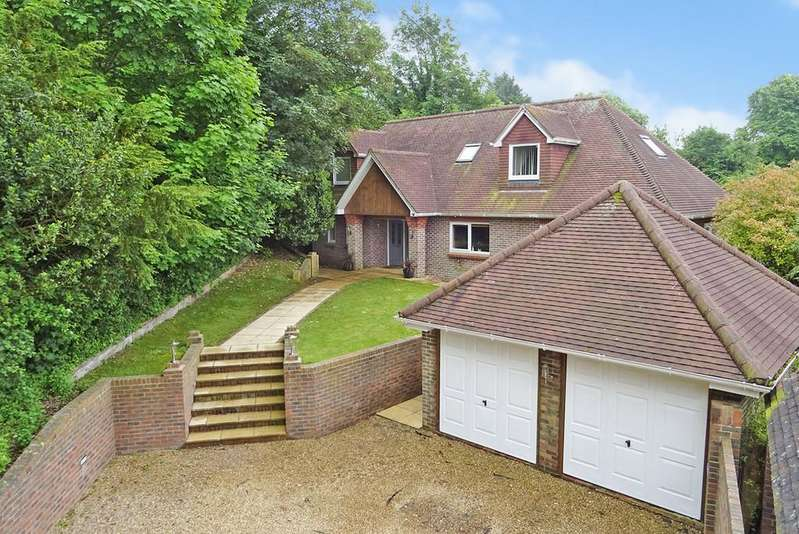 5 Bedrooms Detached House for sale in The Heights, Findon Valley, Worthing BN14 0AJ