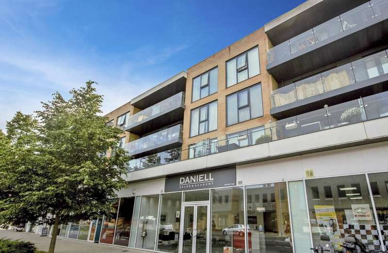 1 Bedroom Flat for sale in Paxton House 401 Larkshall Road, E4