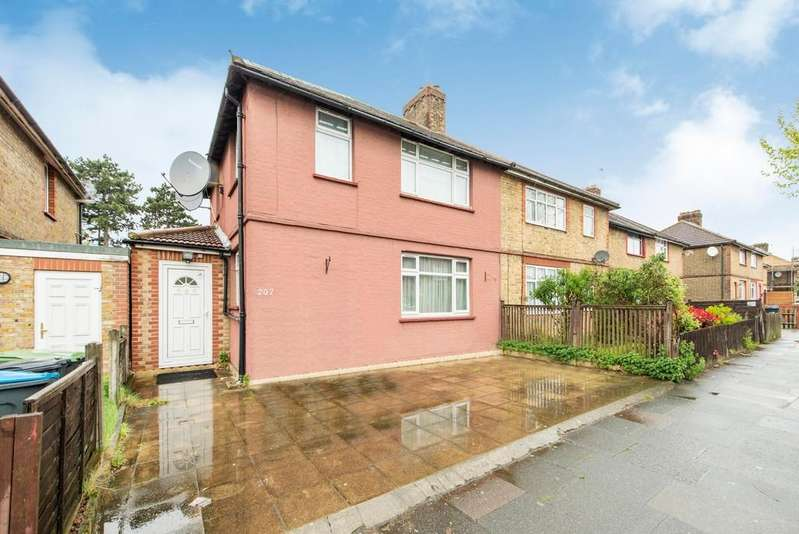 3 Bedrooms Semi Detached House for sale in Haselbury Road