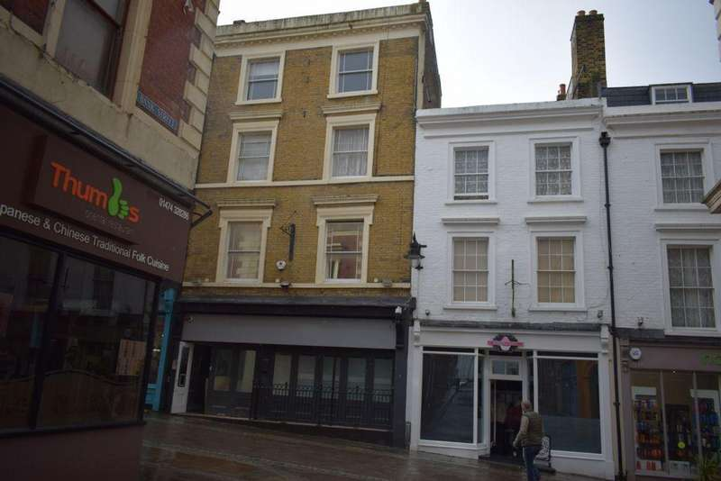 House for sale in High Street, Gravesend, DA11