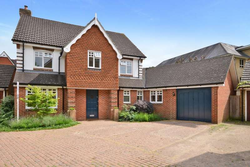 5 Bedrooms Detached House for sale in Hayward Road, Thames Ditton, Thames Ditton, KT7