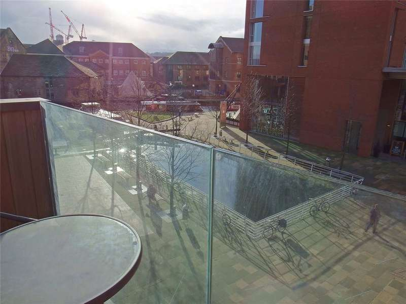 1 Bedroom Flat for sale in Watermans Place, 3 Wharf Approach, Leeds, West Yorkshire, LS1