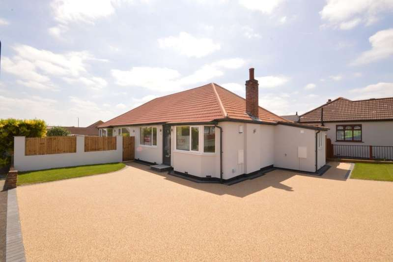4 Bedrooms Detached Bungalow for sale in Leckwith Avenue, Bexleyheath, DA7