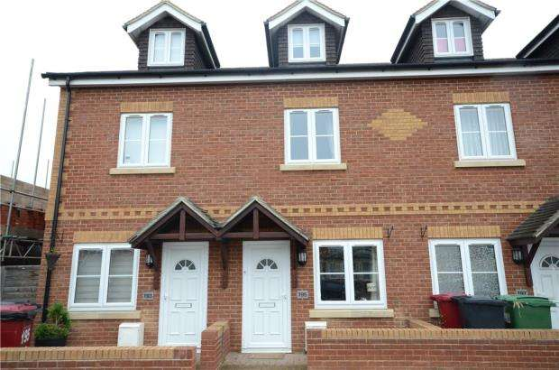 3 Bedrooms Terraced House for sale in Basingstoke Road, Reading, Berkshire