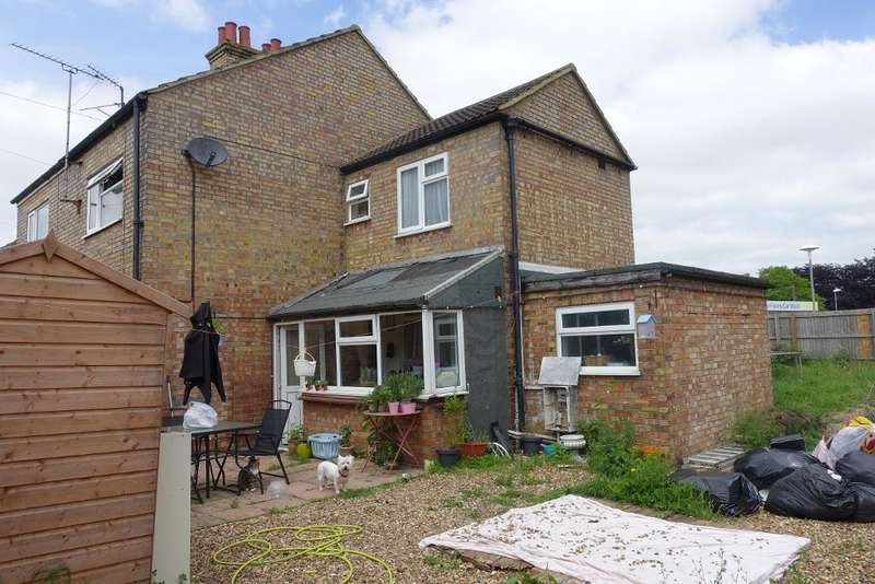 3 Bedrooms Semi Detached House for sale in Elm Low Road, Wisbech, Cambs, PE14 0DF