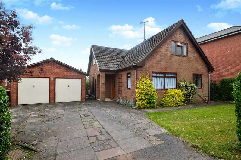 3 Bedrooms Detached Bungalow for sale in 1 Holly Road, Stourport-on-Severn, DY13