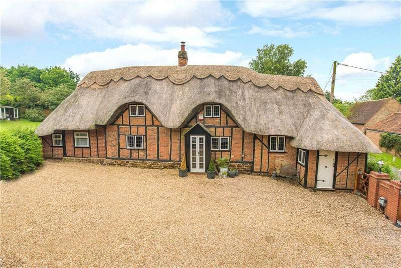 4 Bedrooms Unique Property for sale in Cobbett Lane, Flitton, Bedfordshire
